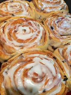 Elaine's Sweet Life: Chelsea Buns {recipe} Another recipe just in case the other one doesn't work. British Baking Show Recipes, Baking Recipes, British Desserts, Bread Recipes, Chelsea Bun Recipe, Kos, Ma Baker, Breakfast Recipes, Dessert Recipes