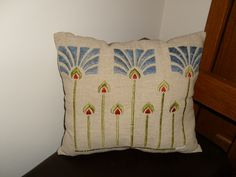 Stickley mission era Arts Crafts textile linen Classic A C pillow No 3 only Art And Craft Design, Art Deco Design, Design Crafts, Craftsman Style Bungalow, Craftsman Decor, Arts And Crafts Movement, Art Nouveau, Stencils, Textiles