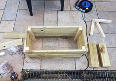 DIY : fabriquer une jardinière en bois pour le jardin Palette Deco, Bois Diy, Diy Nature, Planter Boxes, Permaculture, Wood, Green, Outdoor, Construction