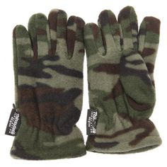 Childrens Little Boys Camouflage Thinsulate Thermal Winter Gloves (3M 40g)  Great quality kids thermal gloves.  Perfect for cold winter days.  Keeps your childs hands nice and warm.  Comfortable fit.  Fiber: 100% Polyester.