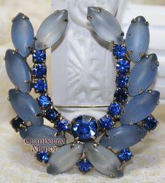 Vintage Sapphire Blue Frosted Rhinestone Laurel Brooch J2018