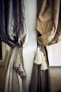 ♥♥ ... Window Dressing ... ♥♥ Draping and tassels #Window #details #trim