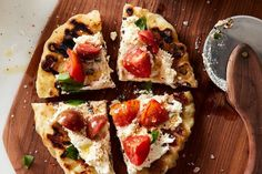 Speedy Romeos Grilled Pizza with Marinated Tomatoes  Ricotta recipe on… http://www.keeshndb.com/search/label/chicken
