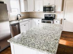 Dallas White (Ashen White) Granite Countertops by: Heartland Granite & Quartz Topeka, KS White Granite Kitchen, White Granite Countertops, Kitchen Countertops, Kitchen Redo, Kitchen Remodel, Kitchen Design, Kitchen Ideas, Kitchen Interior, Home Design Diy