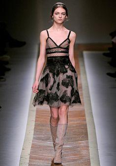 VALENTINO FALL 2011 | Brand dress rental salon''SHIROTA''