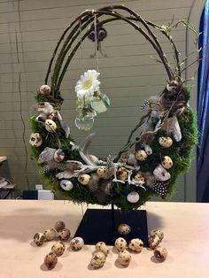 Easter Flower Arrangements, Easter Flowers, Christmas Wreaths, Christmas Decorations, Holiday Decor, Grapevine Wreath, Grape Vines, Centerpieces, Home Decor