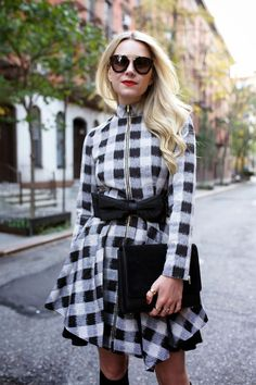 Holiday party outfits on Atlantic-Pacific // Black and white checks Chic Winter Outfits, Cute Fall Outfits, Holiday Fashion, Winter Fashion, Holiday Style, Coachella, Style Work, Holiday Party Outfit, Party Outfits