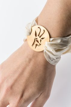 Amulette - made by Lights of Vienna, gold, Chrome, rose Diy Jewelry, Jewelry Making, Edelweiss, Vienna, Band, Gold Chrome, Beige, Lights, Bracelets