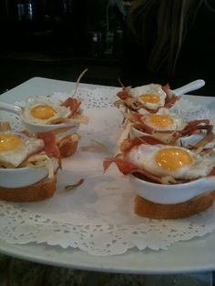Pintxos Portuguese Food, Portuguese Recipes, Bacon Egg, Bilbao, Delicious Food, Foodies, Spanish, Appetizers, Heaven