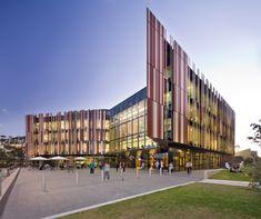 Macquarie University Library in Australia by Francis-Jones Morehen Thorp (FJMT)