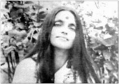 Maa ... Ramana Maharshi, Bhakti Yoga, Photoshop, Love And Lust, Kundalini Yoga, Divine Feminine, Mantra, Mona Lisa, Saints