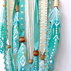 I just added nine of the turquoise feather beauties to a dream catcher - Connect - Boho Bedding Sun Catchers, Doily Dream Catchers, Dream Catcher Boho, Diy Tumblr, Feather Painting, Feather Art, Feather Crafts, Arts And Crafts, Diy Crafts