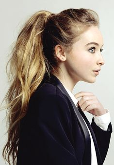 Sabrina Carpenter Daily