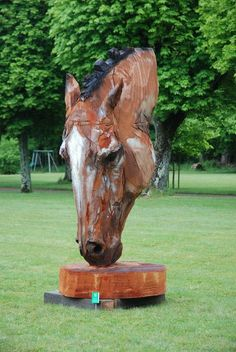 'Sky Horse' – Chainsaw Wood Carving by Jürgen Lingl-Rebetez Artist! Chainsaw Wood Carving, Wood Carving Tools, Wood Carvings, Horse Sculpture, Animal Sculptures, Metal Art, Wood Art, Afrique Art, Tree Carving