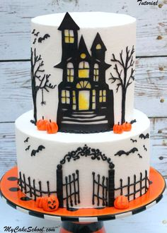halloween cakes In this cake decorating video tutorial from , learn to create a festive Haunted House Halloween cake design! Bolo Halloween, Halloween Torte, Halloween Backen, Pasteles Halloween, Halloween Desserts, Halloween Treats, Halloween Parties, Halloween Birthday Cakes, Halloween Cupcakes