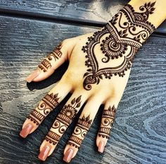 Most of the women on their wedding day, demand Arabic mehndi design on their hands as the patterns on this category of henna designs are attractive and simple yet suitable. Description from pinterest.com. I searched for this on bing.com/images