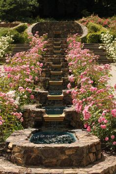I love flowers, fountains, and beautiful gardens. One day, one day I WILL have a backyard like this! Dream Garden, Garden Art, Garden Fountains, Water Fountains, Outdoor Fountains, Garden Ponds, Koi Ponds, Fountain Garden, Sunken Garden