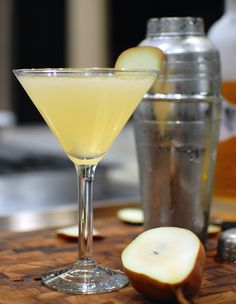How to make a pear martini at home (infuse vodka with fruit)