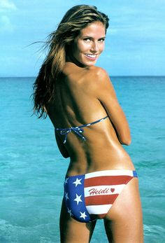7485cccea6 Sports Illustrated bikini model Heidi Klum young and by the ocean