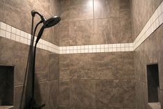Tile: Angora Classico, Zeus with 2x2 Angora Classic Pulpis Accent Strip