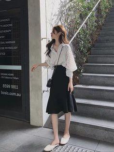 Korean Girl Fashion, Korean Fashion Trends, Korean Street Fashion, Asian Fashion, Womens Fashion, 70s Fashion, Modest Fashion, Ulzzang Fashion Summer, Long Skirt Fashion