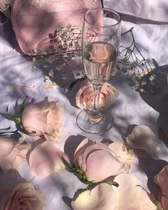 Image shared by Blackrose. Find images and videos about pink, aesthetic and flowers on We Heart It - the app to get lost in what you love. Angel Aesthetic, Flower Aesthetic, Aesthetic Vintage, Aesthetic Photo, Aesthetic Art, Aesthetic Pictures, Aesthetic Grunge, Watercolor Flower, Princess Aesthetic