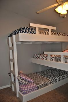 Life with Mack & Macy: Triple Bunk Beds