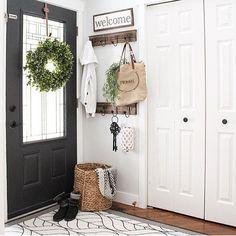 Farmhouse Entryway Decor Shelves 46 Ideas For 2019 Decor, Small Entryways, Interior, Home, Foyer Decorating, Doors Interior, Interior Door Colors, Apartment Decor, Front Entry Doors
