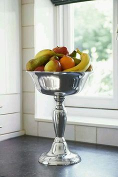 Fruit serving dish. R&M