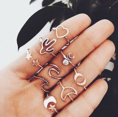 ~ cute jewelry inspo💫💗 in love with the one! Hand Jewelry, Cute Jewelry, Jewelry Accessories, Jewelry Ideas, Jewlery, Yoga Jewelry, Jewellery Box, Metal Jewelry, Jewelry Rings