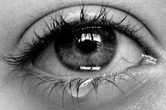 Crying Eyes Black And White Pretty Eyes, Beautiful Eyes, Photo Oeil, Crying Eyes, Crying Girl, Fotografia Macro, Eye Photography, Amazing Photography, Eye Art