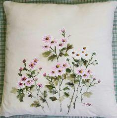 천 아트 자격증 소품 ㅡ구절초 방석♡ : 네이버 블로그 One Stroke Painting, Fabric Painting, Fabric Art, Small Flower Drawings, Small Flowers, Japanese Embroidery, Hand Embroidery, Embroidery Designs, Watercolor Flowers