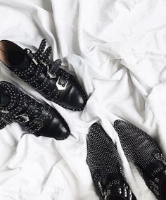 Rock 'n' Roll Style ✯ audreylombard  Shoes OFF ⚫️ #givenchy #cesarepaciotti
