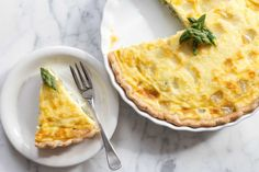 This asparagus quiche with fontina cheese is perfect for Easter brunch or a spring meal. The secret to really creamy quiche? Zucchini Quiche Recipes, Asparagus Quiche, Asparagus Appetizer, Dinner In Paris, Fontina Cheese, Simply Recipes, Spring Recipes, Quiches, Gourmet