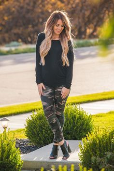 Camo Leggings Outfit, Printed Leggings Outfit, Jeggings Outfit, Camo Outfits, Casual Fall Outfits, Fall Winter Outfits, Spring Outfits, Tribal Leggings, Girly Outfits