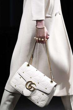 Collezione borse Gucci Autunno Inverno 2016-2017 - Shoulder bag con borchie