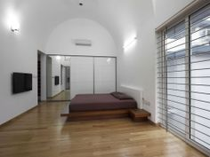 Architecture:Simple Yet Spacious LIJO RENY House Bedroom With Arc Ceiling And Gridded Windows Elegant House Design with Amazing Concept