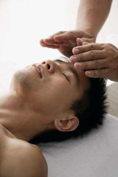 Reiki and Quantum Touch are similar but distinct methods of alternative healing.. www.detoxificationforthebody.com/