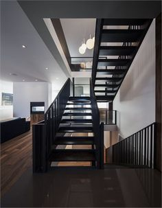 Résidence Nguyen - Montreal, Canada - 2012 - Atelier Moderno #architecture #interios #stair