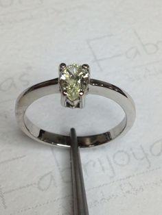 Anillo oro blanco con diamante 0.40 ct