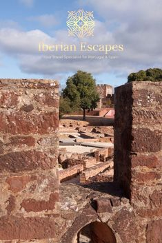 Things to do and places to visit in Silves, Portugal (Algarve). Here you will find photos of Silves old town, the town of São Marcos da Serra, São Bartolomeu de Messines, Silves beaches, hotels, restaurants, things to do, events, properties and much more. Travel with us, your luxury concierge in the Algarve! | Qué hacer y qué visitar en Silves, Portugal (Algarve). Aquí encontrará fotos de Silves, playas de Silves, hoteles, restaurantes, cosas para hacer, eventos y mucho más. #portugal #algarve Best Seafood Restaurant, Restaurant Names, Silves Portugal, Baroque Architecture, Medieval Town, Old Farm, The Dunes, Tropical Garden, Algarve