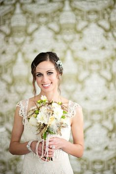 Beautiful flapper inspired bride