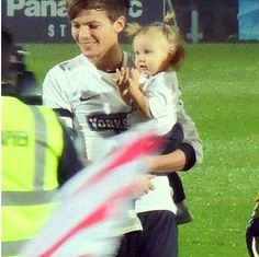 He's so good with lux ugh