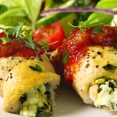 Healthy Stuffed Chicken Recipe by Maria Menounos - this looks amazing!