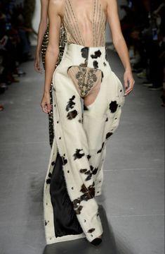 Couture Fashion, Fashion Art, Runway Fashion, High Fashion, Fashion Show, Fashion Outfits, Womens Fashion, Fashion Design, Fashion Trends