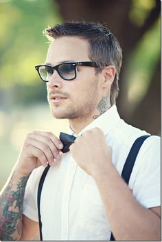 Ray Bans, tattoos, and bow ties... oh my!!!