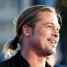 Brad Pitt Ponytail - Best Brad Pitt Haircuts: How To Style Brad Pitt's Hairstyles, Haircut Styles, and Beard #menshairstyles #menshair #menshaircuts #menshaircutideas #menshairstyletrends #mensfashion #mensstyle #fade #undercut #bradpitt #celebrity #bradpitthair Celebrity Hairstyles, Hairstyles Haircuts, Haircuts For Men, Brad Pitt Style, Brad Pitt Haircut, Bleach Blonde, Famous Men, Hair Trends, Ponytail