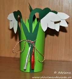 A tanító néni jegyzetei: Hóvirág Fall Paper Crafts, Paper Flowers Craft, St Patrick's Day Crafts, Mothers Day Crafts, Spring Crafts, Flower Crafts, Diy Flowers, Diy Crafts To Sell, Easter Crafts