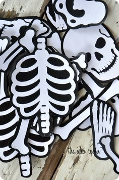 Halloween Game: Mr. Bones {The Idea Room}