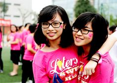 Áo đồng phục lớp màu hồng cho các bạn gái